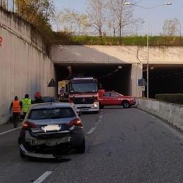 Incidente sull'Asse, tre auto coinvolte Due feriti lievi in ospedale -Foto