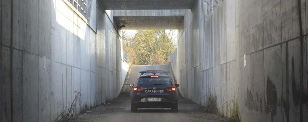 Spaccio «drive in» nei sottopassi Brebemi Giro di vite dell'Arma, blitz con l'elicottero