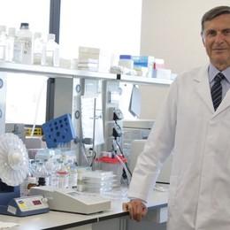 Covid, annunci irrituali sul vaccino  Mantovani, priorità alla sicurezza