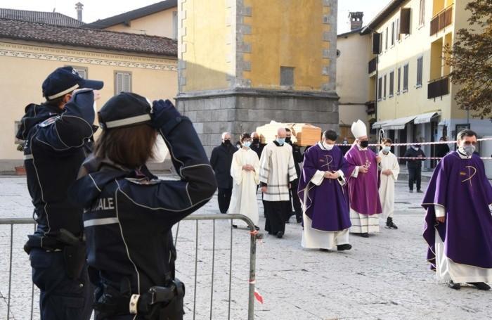I funerali don Emilio a Cologno al Serio