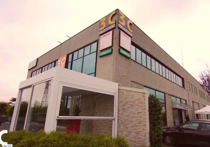 La sede della 3C Serramenti a Ranica