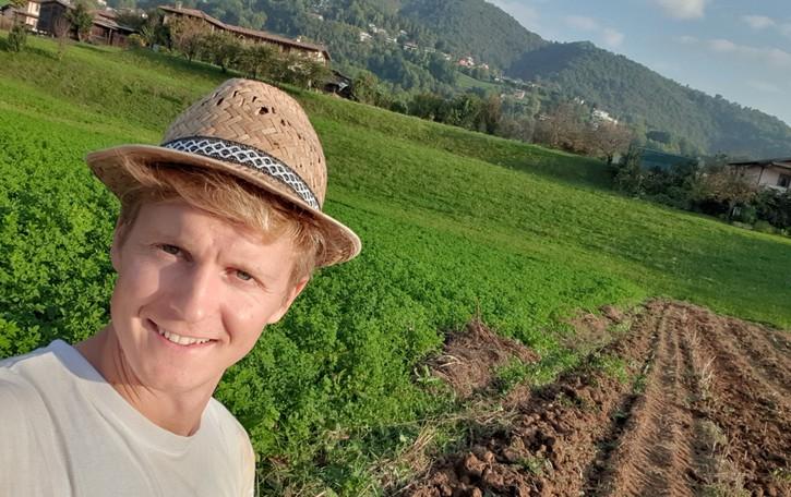 #giovanifuturi: Adriano Galizzi, ho rinunciato al posto fisso per una galletta di mais