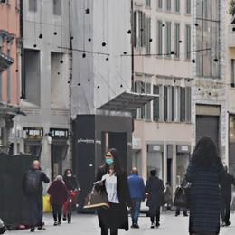 Lettera dei commercianti a Fontana «Bergamo diventi zona gialla»