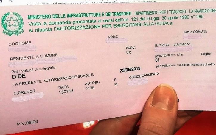 Patenti, ancora bloccati gli esami di guida  Ma i fogli rosa prorogati fino al 30 aprile