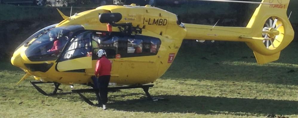 Schianto, ferito un ciclista Elisoccorso a Cerete Alto