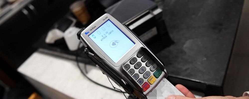 Cashback ai nastri di partenza  Spinta per usare le carte: come funziona