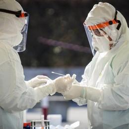 Coronavirus, in Italia 19.350 nuovi casi Le vittime sono 785, i tamponi 182 mila - Video