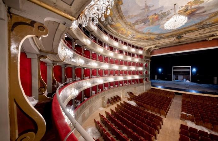 Teatro donizetti finiti lavori