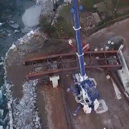 Si posa un nuovo ponte sul Brembo Il video spettacolare con il drone