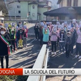 Villa d'Ogna, il Comune regala cento tablet alla scuola primaria