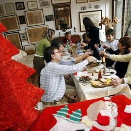 Coldiretti, a rischio 1,2 mld senza brindisi  Natale, addio alle tavolate dello scorso anno