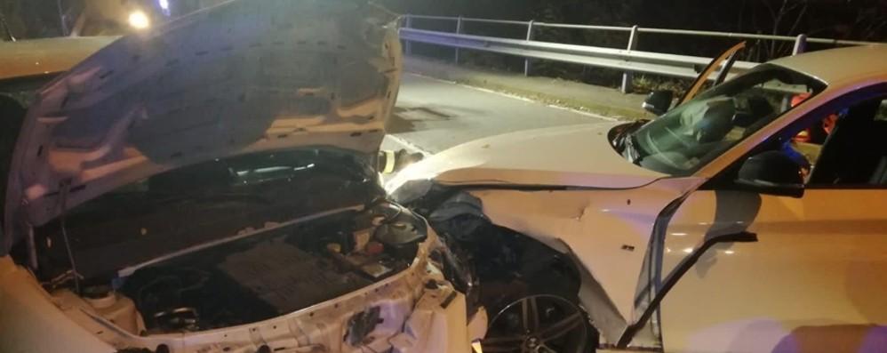 Ubiale, schianto tra due auto all'alba Ragazza di 26 anni in gravi condizioni
