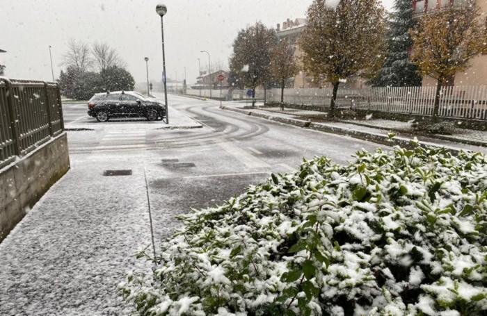 Neve nella Bassa; qui siamo a Pontirolo