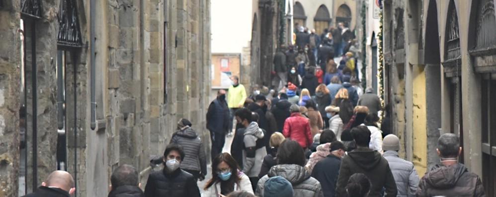 Gallera: «Ci sarà una terza ondata» E il governo frena le Regioni