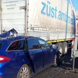 Tragedia sull'A4: muore un 41enne Lo schianto vicino al casello di Bergamo