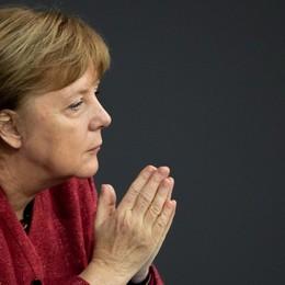 Merkel commossa per i «suoi» morti