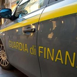 Furbetti dei ristori, bloccati 150 mila euro Sequestrate più di 491 mila mascherine