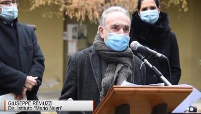 Alzano Lombardo - Remuzzi dopo la vaccinazione:«Un miracolo della scienza»