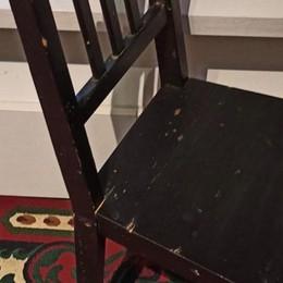 Carobbio, testa incastrata nella sedia Soccorso bimbo di 5 anni, sta bene