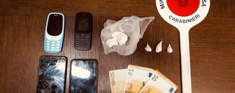 مخدر مخفی در جوراب و جوراب دستگیری و توسل به تلگیت