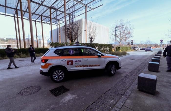 L'arrivo delle dosi di vaccino anti-Covid all'ospedale «Papa Giovanni» di Bergamo