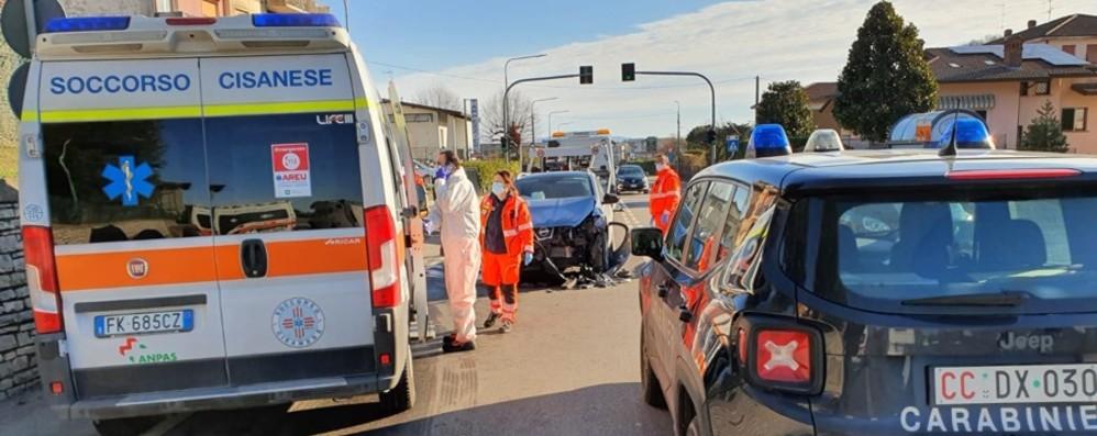 Pontida, famiglia travolta sulla Briantea L'impatto con un furgone per le consegne
