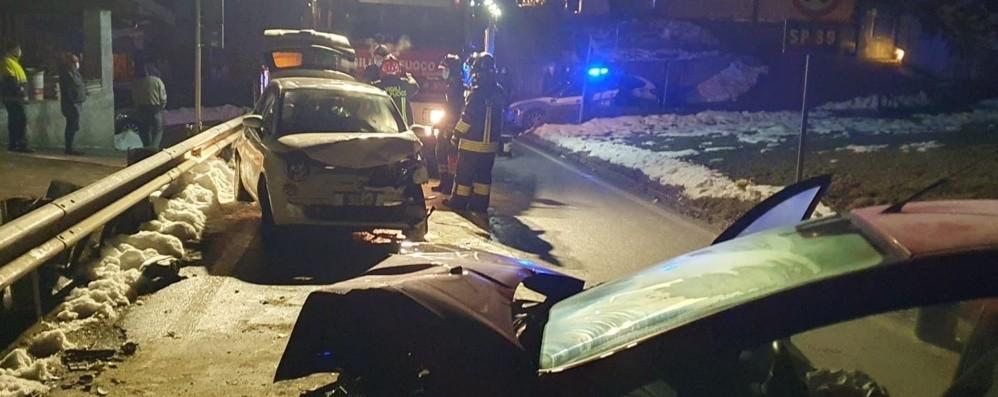 Schianto tra due auto ad Albino - Foto Quattro persone coinvolte: illese