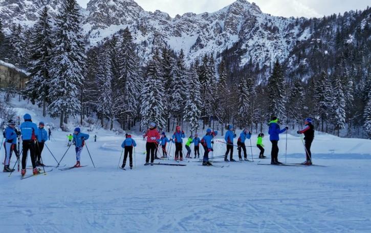 Slitte e ciaspole sulla neve  Attenti al pericolo valanghe