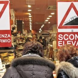 Acquistano prodotti in offerta a Nembro Poi li rivendono in «nero» a Napoli, fermati