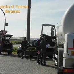 Commercio carburanti, frode fiscale nel Sebino Sequestro di beni e denaro per 640 mila euro
