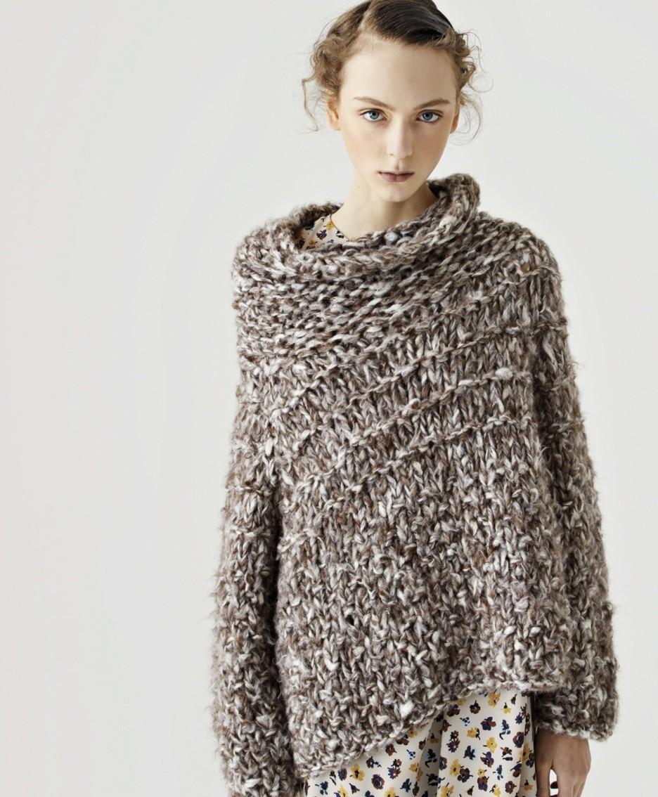 Un capo della collezione «#indossarearte» di Cividini