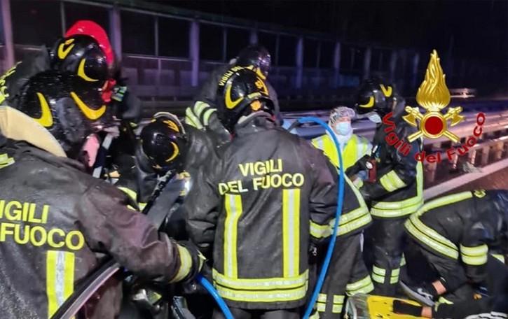 Rozzano, genitori e figlia morti nello schianto  La bambina di 10 anni operata a Bergamo