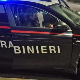 Ruba due bici e un marsupio da un'auto In strada con il lockdown, arrestato a Presezzo