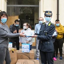 Sequestrate dalle Fiamme Gialle di Treviglio Donate 2.500 mascherine ad associazione
