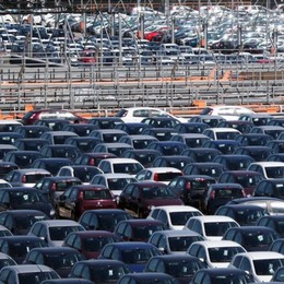 Mercato  auto, effetto coronavirus Vendite giù, mancano i componenti