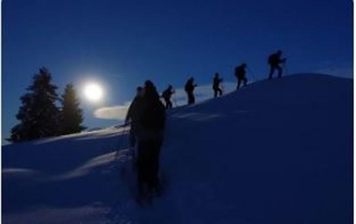 Ciaspolata all'Avaro con la luna piena