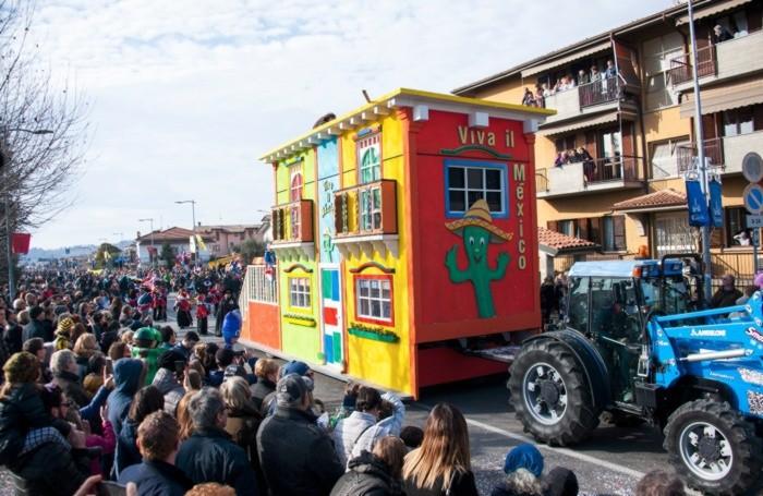 Carro allegorico di Carnevale «Carneal de Taü»