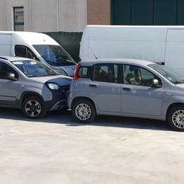 Scoperto deposito di veicoli rubati A Treviglio ritrovati auto e furgoni
