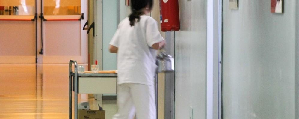 In malattia, ma lavorava altrove Infermiera risarcirà l'ospedale