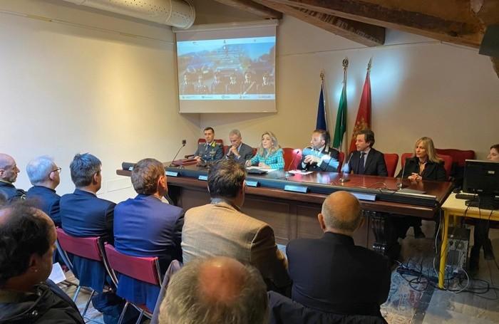 La conferenza stampa con il prefetto Elisabetta Margiacchi e i vertici delle Forze dell'Ordine