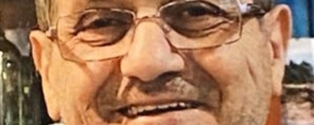 Treviglio dà l'addio a Gianni Una vita dietro il bancone del bar