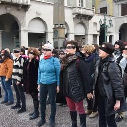 Un anno nel ricordo di Marisa Il flash mob contro i femminicidi
