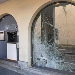 Fontanella, banda del botto in azione Assalto al bancomat di Ubi Banca