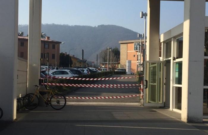 L'ingresso dell'ospedale di Alzano