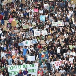 Oltre gli scioperi e dentro la crisi climatica: siamo andati a trovare i ragazzi di Fridays for Future Bergamo