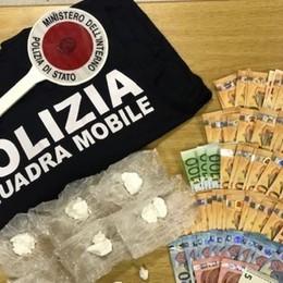 Cocaina e denaro in auto e in casa Arrestato spacciatore a Scanzorosciate