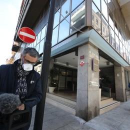Donna positiva a Palermo, niente febbre  Dolci per i bergamaschi in quarantena