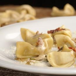 Arte e piatti tradizionali: menù da 35 euro per la mostra di Peterzano alla Carrara