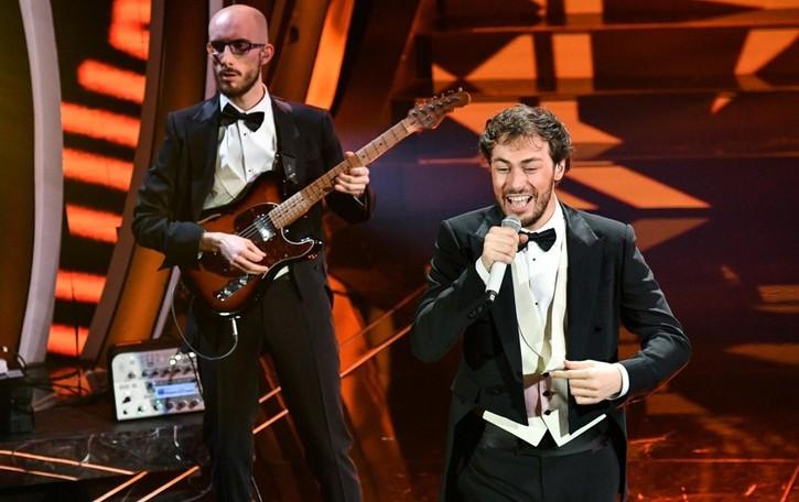 Primo gruppo orobico sul podio di Sanremo Pinguini, dalle sagre al trionfo al Festival