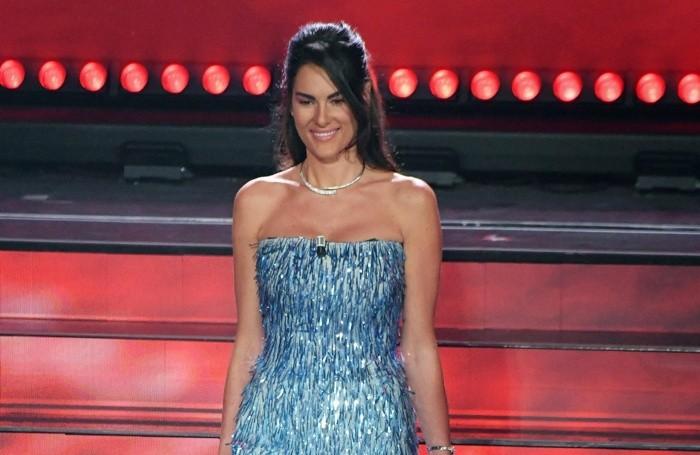 Francesca Sofia Novello, splendida in azzurro